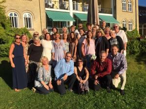 En rekke ansatte i Sarpsborg kommune har fått opplæring i motiverende intervju. Her er Alvimhaugen skole og SFO avbildet i forbindelse med kurset i august 2015.